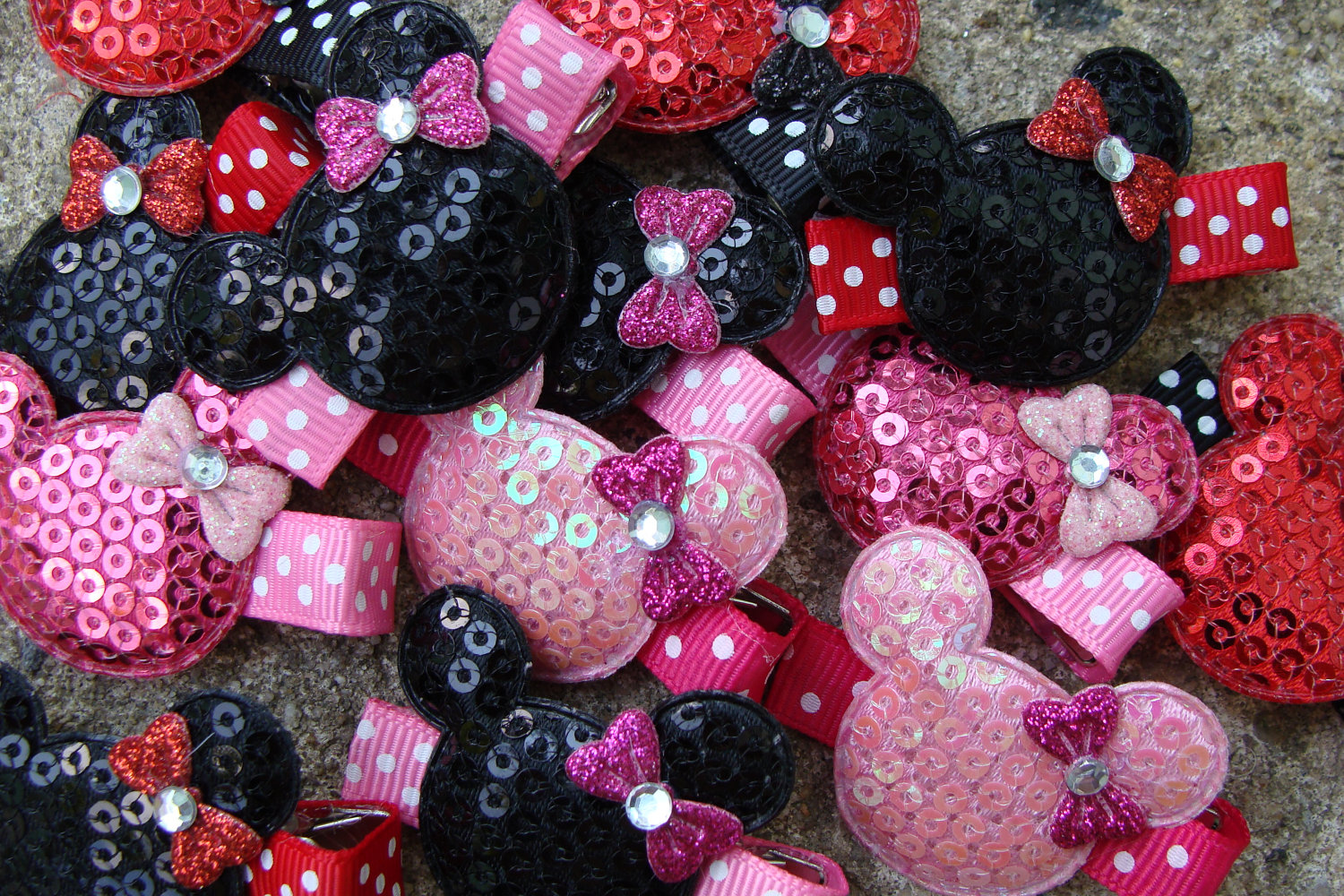 20 Minnie Mouse Birthday Favor hair clips Minnie Mouse Hair Clip wholesale