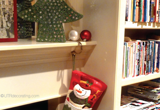 How to Hang Christmas Stockings from a Fireplace Mantle   UTR Déco Blog