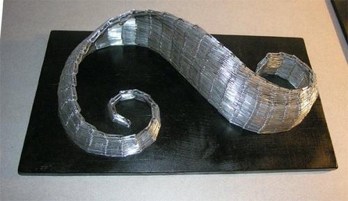paper-clip-sculpture