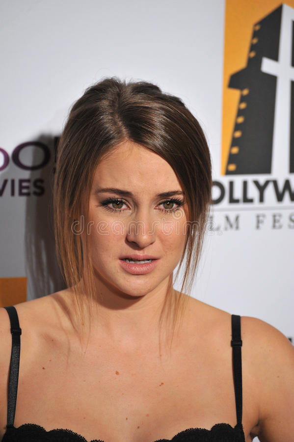Download Shailene Woodley editorial stoc-Download Shailene Woodley editorial stock image. Image of gala - 22172064-16