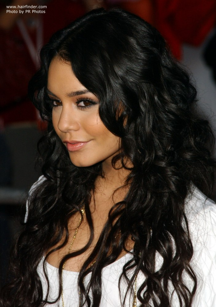 . ClipartLook.com Long gypsy inspired hair with waves - Vanessa Hudgens ClipartLook.com